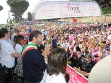 Race for the cure, in 70mila al Circo Massimo contro il tumore al seno