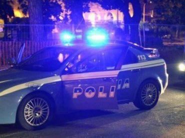 Armato di taglierino rapina un tassista