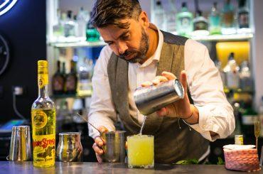 Presentati i cinque cocktail che saranno serviti alla 72a edizione del Premio Strega. Tra i finalisti una barlady: oltre il 10 percento delle iscrizioni sono donne