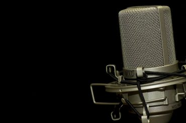 13/12/18. Ospiti Radio Voi su Radio Kaos Italy: gli attori Raffaele De Bartolomeis e Moira Carbone, Yari Riccardi e Exempla