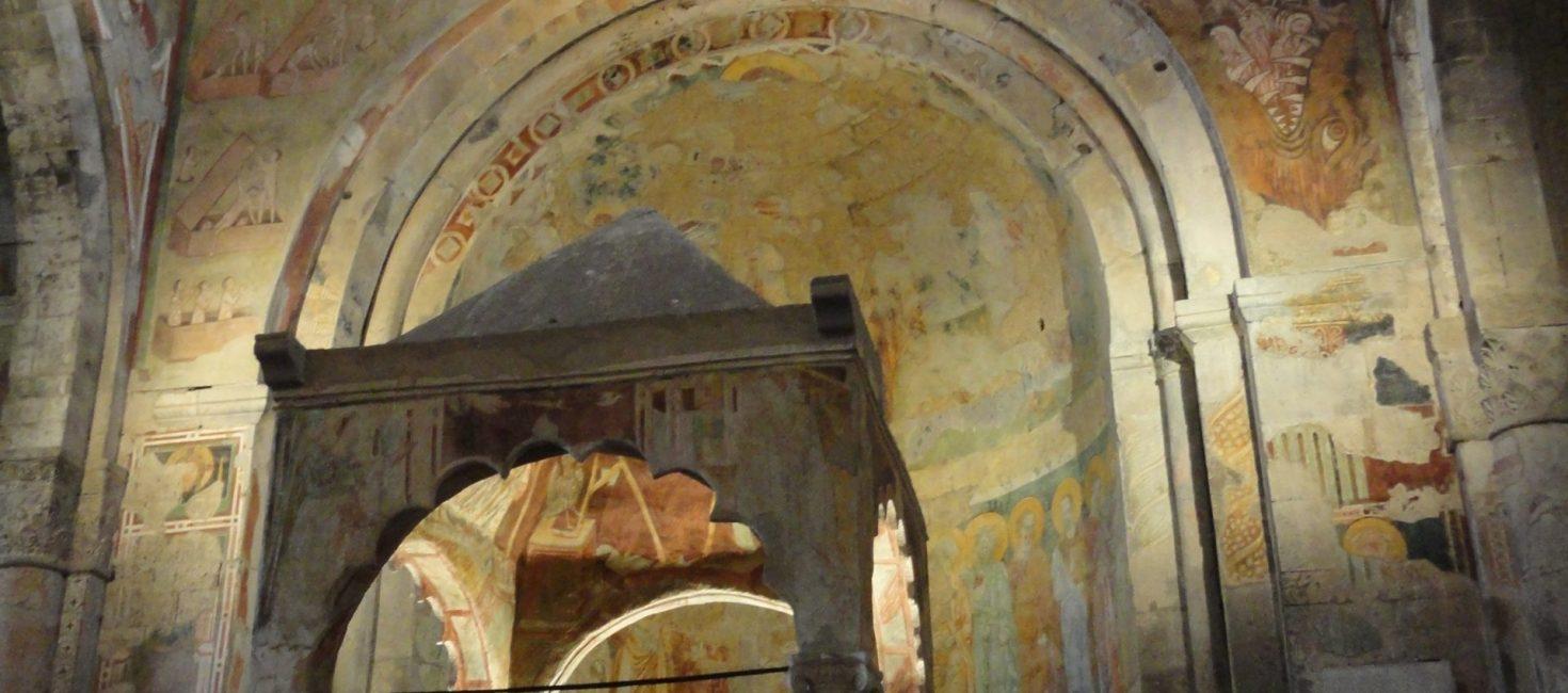 Visita a Tuscania: campi di lavanda, necropoli e avventure alla Indiana Jones
