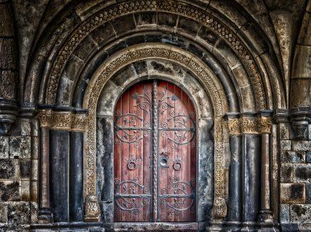 La porta e i suoi mille significati
